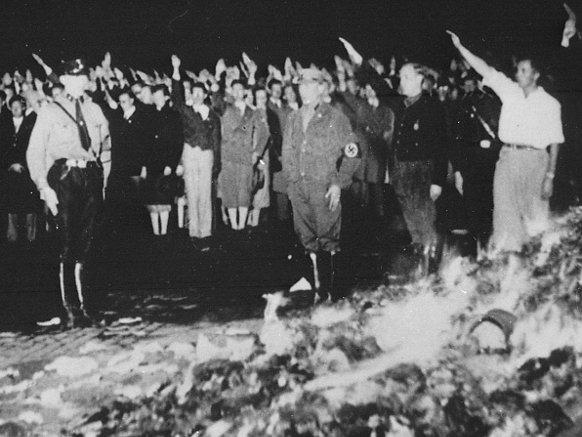 nazi book burning3