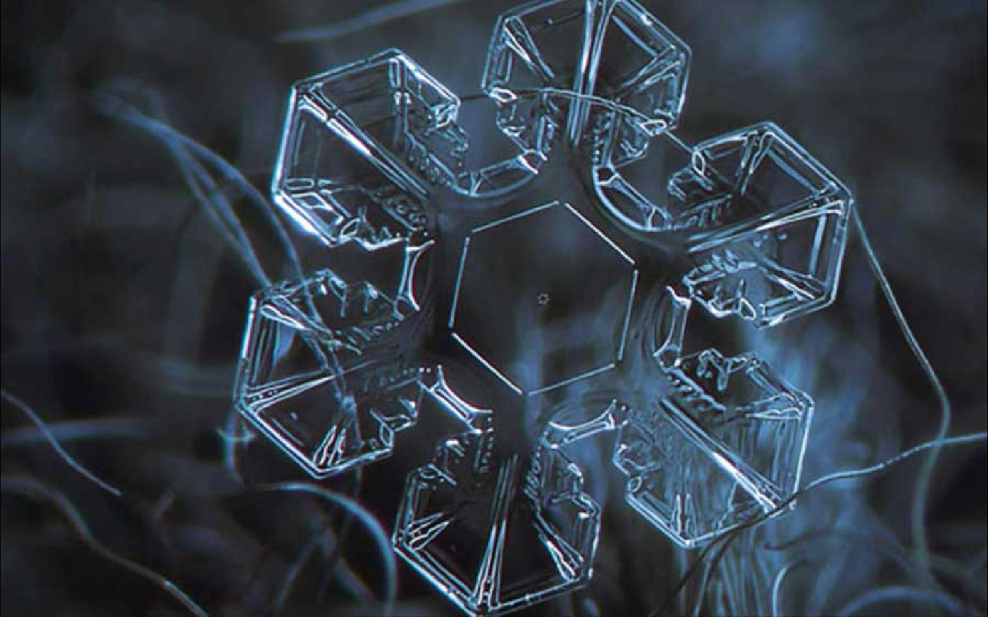 hexagonal-water-crystal