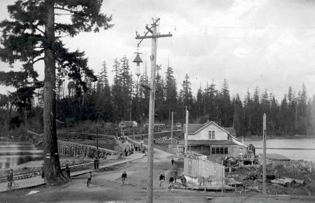 GeorgiaSt Entrance StanleyPark-bigfir-1894